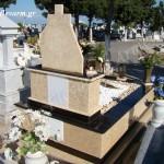Ταφικό μνημείο οικογενειακού μεγέθους με μάρμαρο, βότσαλο διακοσμητικό και γρανίτη